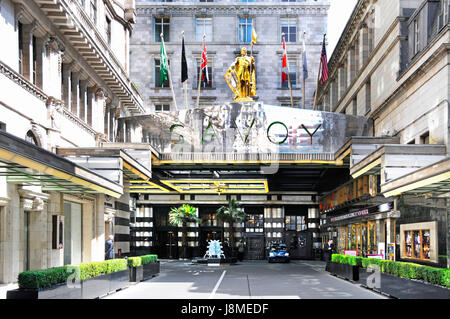 Savoy Hotel London England UK managed by Fairmont Hotels and Resorts entrance unusually free of taxis because of - Stock Photo