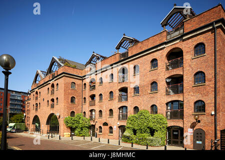 One of the original urban city living mill conversions into lofts, Castle Quay development mill Castlefield , Gtr - Stock Photo