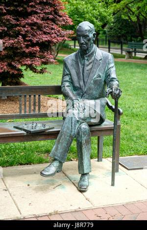 Statue of Jan Karski (1914-2000) on campus of Georgetown University, Georgetown, Washington DC, USA - Stock Photo