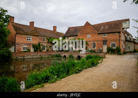 Flatford Mill on the River Stour,   East Bergholt, Suffolk , UK. The area refered to as 'Constable Country', in - Stock Photo