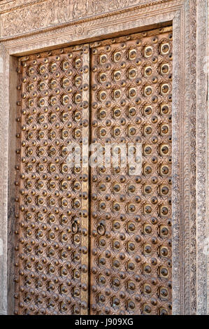 Ornate antique Rajasthani haveli door from Rajasthan, India - Stock Photo