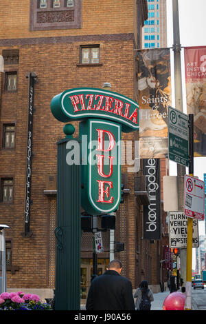 Chicago Illinois Wabash St Due Pizzeria Italian restaurant street sign signs contemporary skyscrapers traffic signal - Stock Photo