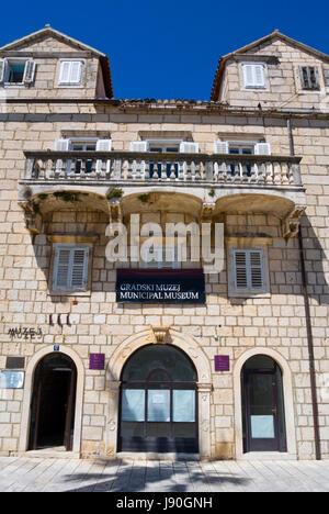 Gradski Muzej, City history museum, Palaca Tonoli, Obala kralja Tomislava, seaside promenade, Makarska, Dalmatia, - Stock Photo