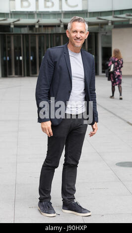 London, UK. 30th May, 2017. Gary Lineker, retired footballer speaks to reporters outside BBC Broadcasting House - Stock Photo
