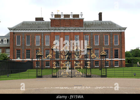 May 30, 2017 - Kensington Palace is a royal residence set in Kensington Gardens, in the Royal Borough of Kensington - Stock Photo