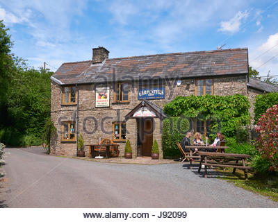 The Carpenters Arms public house in Walterstone in the Golden Valley Herefordshire and known locally as the Gluepot - Stock Photo