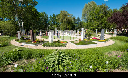 Display of grave monuments and gardens at IGA 2017 International ...