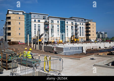 Residential flats under construction at Newhaven in Edinburgh. - Stock Photo