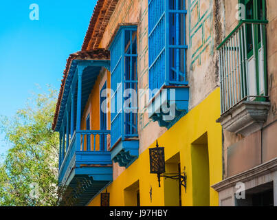 Cuba, Havana, Building exterior with blue windows - Stock Photo