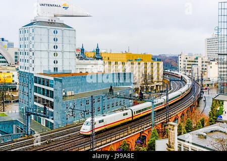 Berlin, Bahngleise und Bürohäuser; tracks and Office blocks - Stock Photo