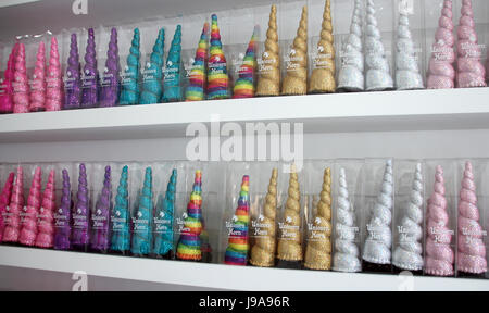 New York, USA. 26th May, 2017. Unicorn horns for sale at a store in Brooklyn in New York, USA, 26 May 2017. Depending - Stock Photo