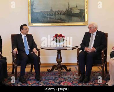 Berlin, Germany. 1st June, 2017. Chinese Premier Li Keqiang (L) meets with German President Frank-Walter Steinmeier - Stock Photo
