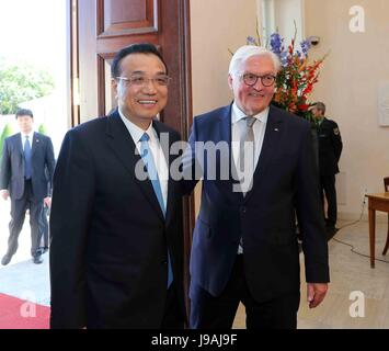 Berlin, Germany. 1st June, 2017. Chinese Premier Li Keqiang meets with German President Frank-Walter Steinmeier - Stock Photo