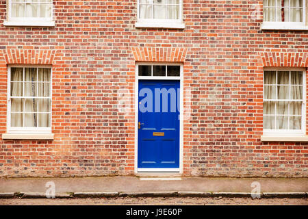 OXFORD/ UK- OCTOBER 26 2016: Exterior Of Victorian Terraced Houses In Oxford - Stock Photo