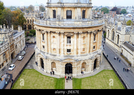 OXFORD/ UK- OCTOBER 26 2016: Elevated View Of Radcliffe Camera Building In Oxford - Stock Photo