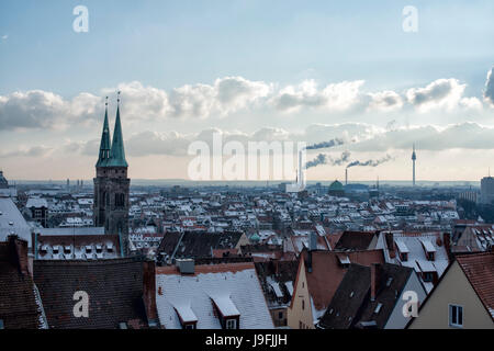 Blick von der Nürnberger Burg auf die Skyline von Nürnberg. View from Nuremberg Castle, Bavaria, Germany in wintertime - Stock Photo