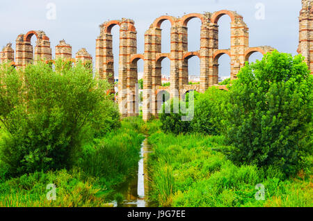 Acueducto de los Milagros or Miraculous Aqueduct in Mérida, Extremadura, Spain - Stock Photo