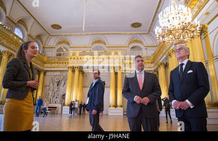 Saint Petersburg, Russia. 2nd June, 2017. German Minister of Foreign Affairs Sigmar Gabriel (2nd r, SPD) and the - Stock Photo