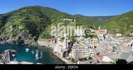 Vernazza, Cinque Terre, Rivera di Levante, province of La Spezia, Liguria, Italy - Stock Photo