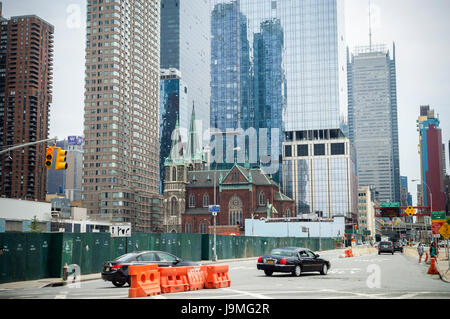 Development on the west side in New York on Sunday, May 28, 2017. (© Richard B. Levine) - Stock Photo