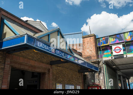 Ladbroke Grove station - Stock Photo