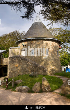 UK, Wales, Pembrokeshire, St Davids, Oriel y Parc, galley and visitor centre, tower with conical roof - Stock Photo
