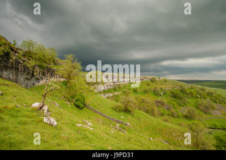 Malham Cove, Malham, North Yorkshire, UK - Stock Photo