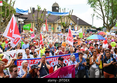 Karlsruhe, Germany. 3rd June, 2017. People participate in a counter demonstration against a demonstration of right - Stock Photo