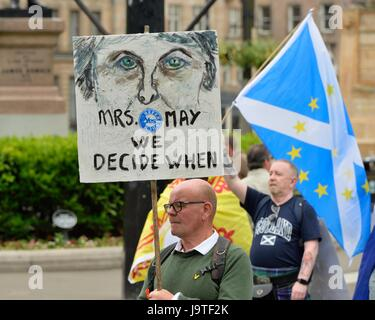 Glasgow, UK. 3rd June, 2017. Scottish Independence march. An estimated 20,000 people gathered to march through Glasgow - Stock Photo