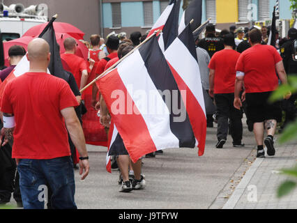 Karlsruhe, Germany. 3rd June, 2017. Participants of a rightist demonstration walk through the district of Durchlach - Stock Photo