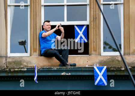 Glasgow, Scotland, UK. 3rd June, 2017. Several thousand supporters of 'Wings Over Scotland', a collection of political - Stock Photo