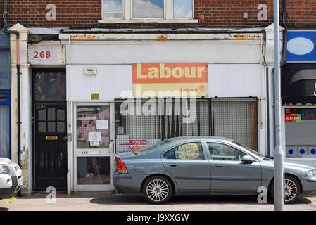 Labour party office for the Southend on Sea area, Essex, looking run down. Space for copy. 268 Sutton Road - Stock Photo