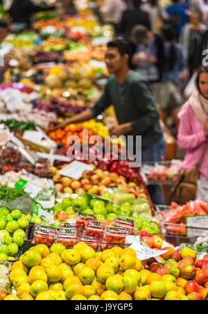 Fruit & Veg stalls at Paddy's market, Chinatown, Sydney, Australia. - Stock Photo