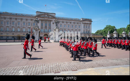 3rd June 2017. The 1st Battalion Irish Guards march past Buckingham Palace during the Major General's Review, Trooping - Stock Photo