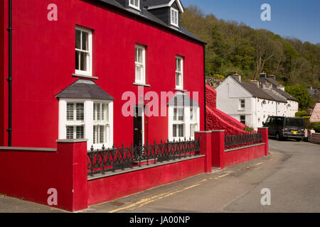 ... UK, Wales, Pembrokeshire, Solva, Prendergast, Ty Mawr, Red Painted House