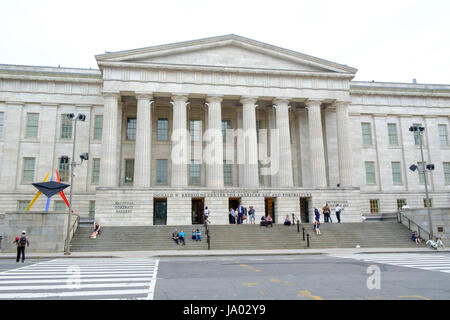 The Smithsonian American Art Museum and National Portrait Gallery, part of the Donald W. Reynolds Center, Washington - Stock Photo
