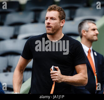 Paris, France, June 4th 2017: NBA-Pro David Lee  during the 4th round match of his girlfriend Caroline Wozniackis - Stock Photo