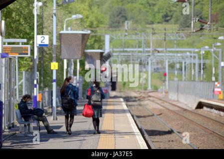 scotrail train station  station platform Annieslamd Glasgow - Stock Photo