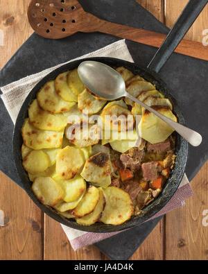 Meat And Potato Bake North East England Uk Food Stock Photo