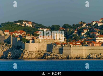 October 5, 2004 - Dubrovnik, Dubrovnik-Neretva County, Croatia - Early morning light illuminates the massive medieval - Stock Photo