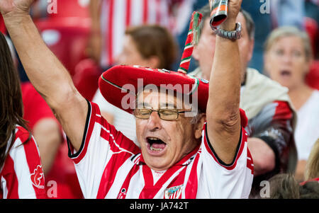 Bilbao, Spain. 24th Aug, 2017. A supporter of Athletic Club cheers his team during the football match of 3rd leg - Stock Photo