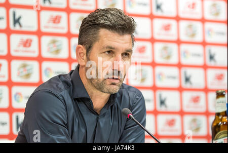 Bilbao, Spain. 24th Aug, 2017. Marinos Ouzounidis (Coach, Panathinaikos FC) during the press conference of football - Stock Photo