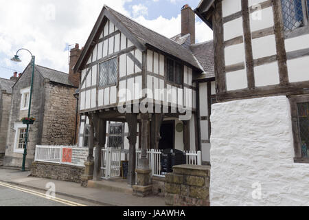 Nantclwyd y Dre Wales oldest timber frame town house dated to 15th century and now a museum - Stock Photo