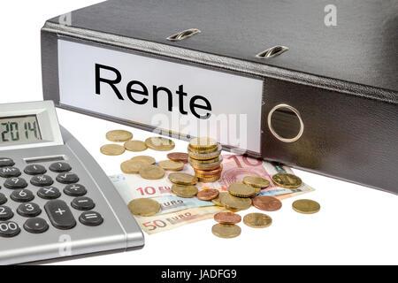 Ein Ordner mit der Aufschrift Rente, Geld und Taschenrechner freigestellt auf weißem Hintergrund - A Binder labeled - Stock Photo