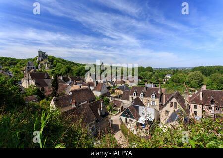 France, Loir et Cher, Lavardin, labelled Les Plus Beaux Villages de France, the village, the castle and Saint Genest - Stock Photo