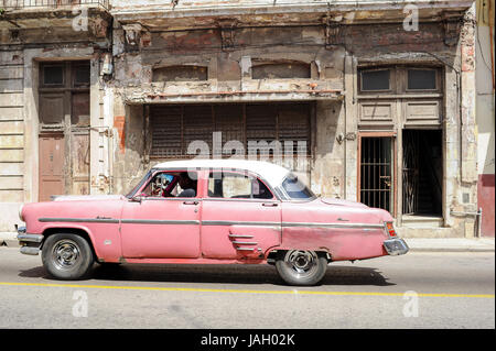 Old american classic car parked on the streets of Havana, Cuba - Stock Photo