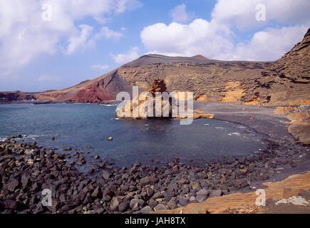 Volcanic beach. El Golfo, Lanzarote island, Canary Islands, Spain. - Stock Photo