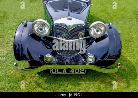 VINTAGE RILEY CAR ON SHOWGROUND IN RHS SHOW Malvern ENGLAND UK - Stock Photo