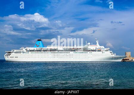 The Thomson Dream Cruise Ship Departing Rhodes Harbour Rhodes - Thomson dream cruise ship latest news