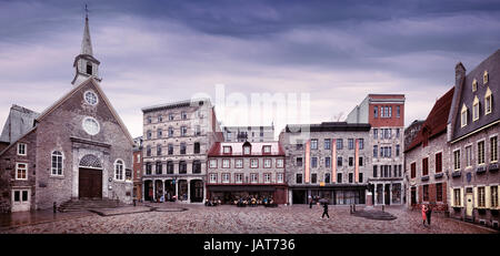 Panoramic view of Place Royale, the Royal Square with its famous Church of Notre-Dame-des-Victoires, statue of Louis - Stock Photo